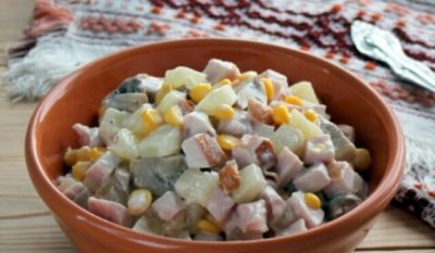 Самый вкусный салат из 4 ингредиентов: готовлю его очень часто