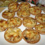 Салат в тарталетках с грибами