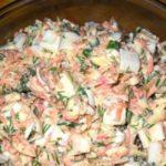 САЛАТ «ВАЛЕРИЯ» Еще один вариант салата с крабовыми палочками…Вкусно и не сложно!
