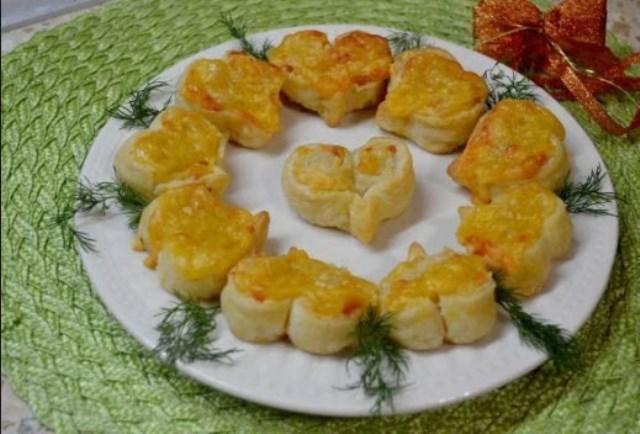 Слойки-сердечки с сыром — воздушные и красивые! А вкусные какие! Ммм... Ваши детки оценят точно.