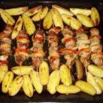Куриный шашлык с картофелем получился бесподобным. Попробовав раз, теперь готовлю постоянно! Советую очень.