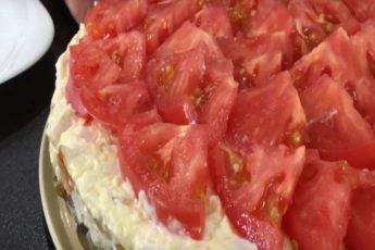 Изумительный салат «ЛЮБИМЫЙ МУЖ»! Поверьте, он на столе не задержится!