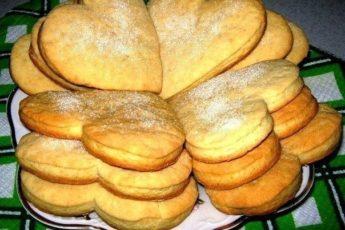 Быстрое и вкусное сметанное печенье понравится Вашей семье непременно. Такое рассыпчатое, хрустящее, тает во рту...