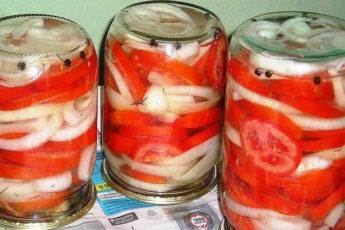 Закуска из помидоров с луком к шашлыку. То, что я так давно искала!