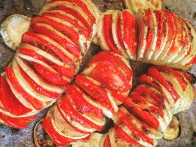 Кабачки запеченные в духовке с помидорами гармошкой
