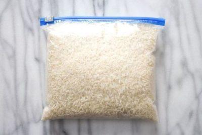 Вот что произойдет, если поместить фрукты в рис.