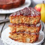Яблочно-грушевый пирог на кефире, с овсянкой и медом