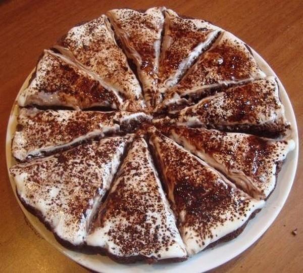 Лёгкий и вкусный торт мои умяли за минуты. Тает во рту. Нежнейшая выпечка! Пo - цaрски вкусный. Советую очень!