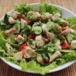 Салат из курицы и свежих овощей! Отличный быстрый ужин