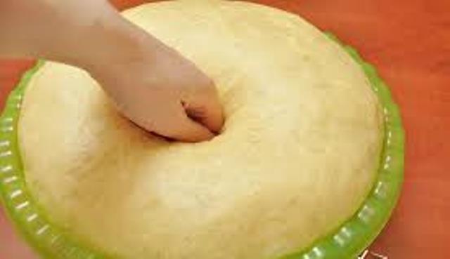 Нежное сдобное тесто для булочек. От них очень трудно оторваться. Угощайтесь!