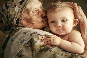 Нет в мире ничего совершеннее, чем любовь бабушки к ее внукам 1